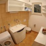 H Bathroom 3